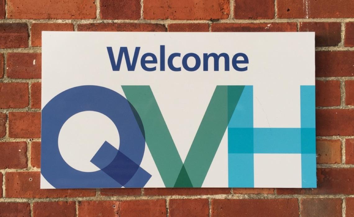 QVH – sign